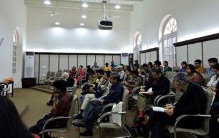 Miembros de la audiencia en la conferencia sobre Prevención de la Violencia en Masas y Promoción de la Tolerancia en Presidency University en Calcuta, India, el 28 de febrero de 2017 (Minghui.org)
